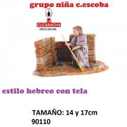 Figuras Belen Estilo Hebreo con tela Grupo niña con escoba 14 y 17 cm.