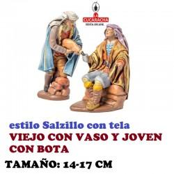 Figuras Belen Estilo Salzillo con tela Grupo VIEJO CON VASO Y JOVEN CON BOTA 14 y 17 cm