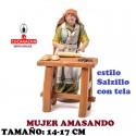 Figuras Belen Estilo Salzillo con tela Grupo MUJER AMASANDO 14 y 17 cm