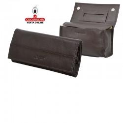 Bolsa para picadura de tabaco, hecha en piel, color marron, interior en latéx, con compartimento para los libritos de papel
